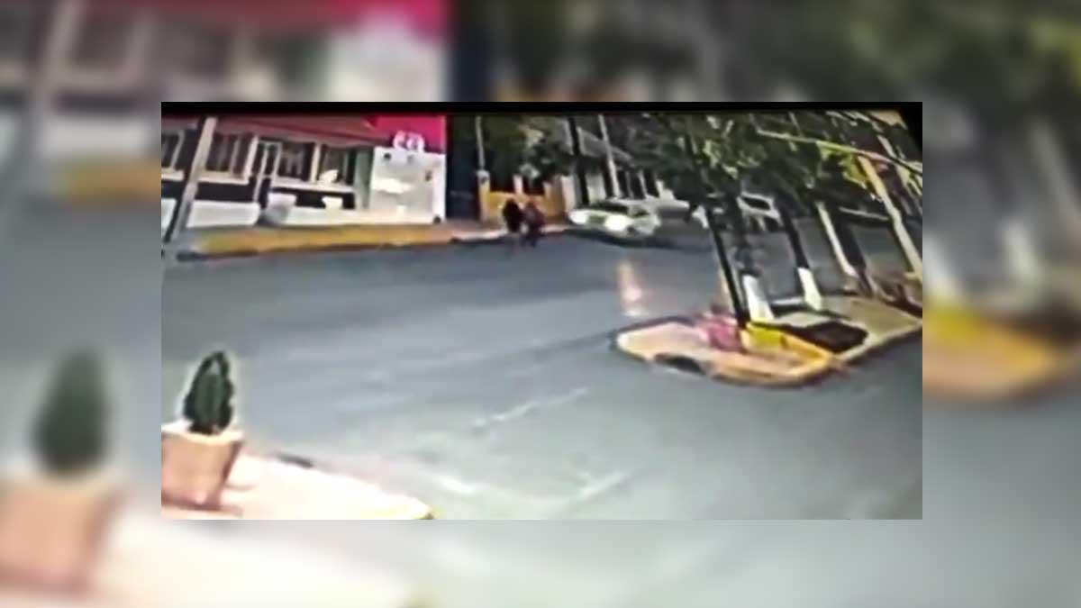 Coahuila: menor atropella a 2 adultos mayores en Parras