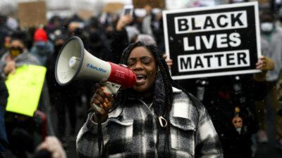 Minneapolis vive tercera noche de protestas por muerte de Daunte Wright