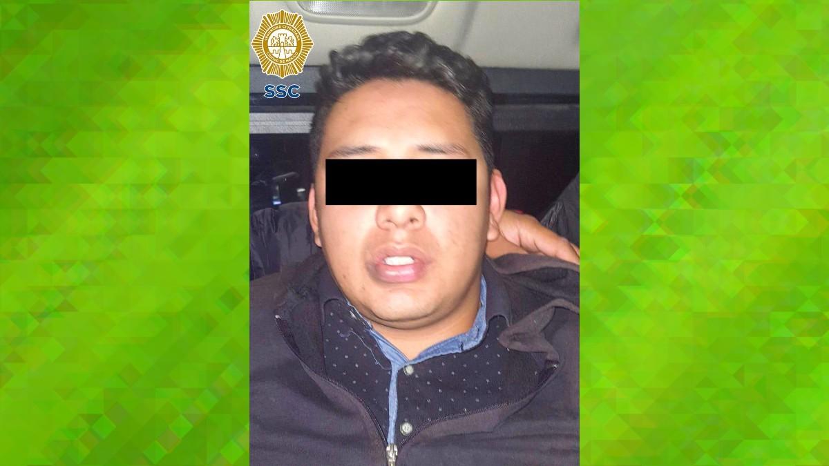 En CDMX detienen a hombre captado golpeando brutalmente a mujer