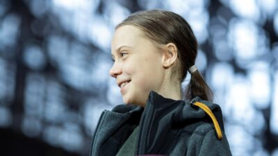 Greta Thunberg dona 100 mil euros al sistema Covax