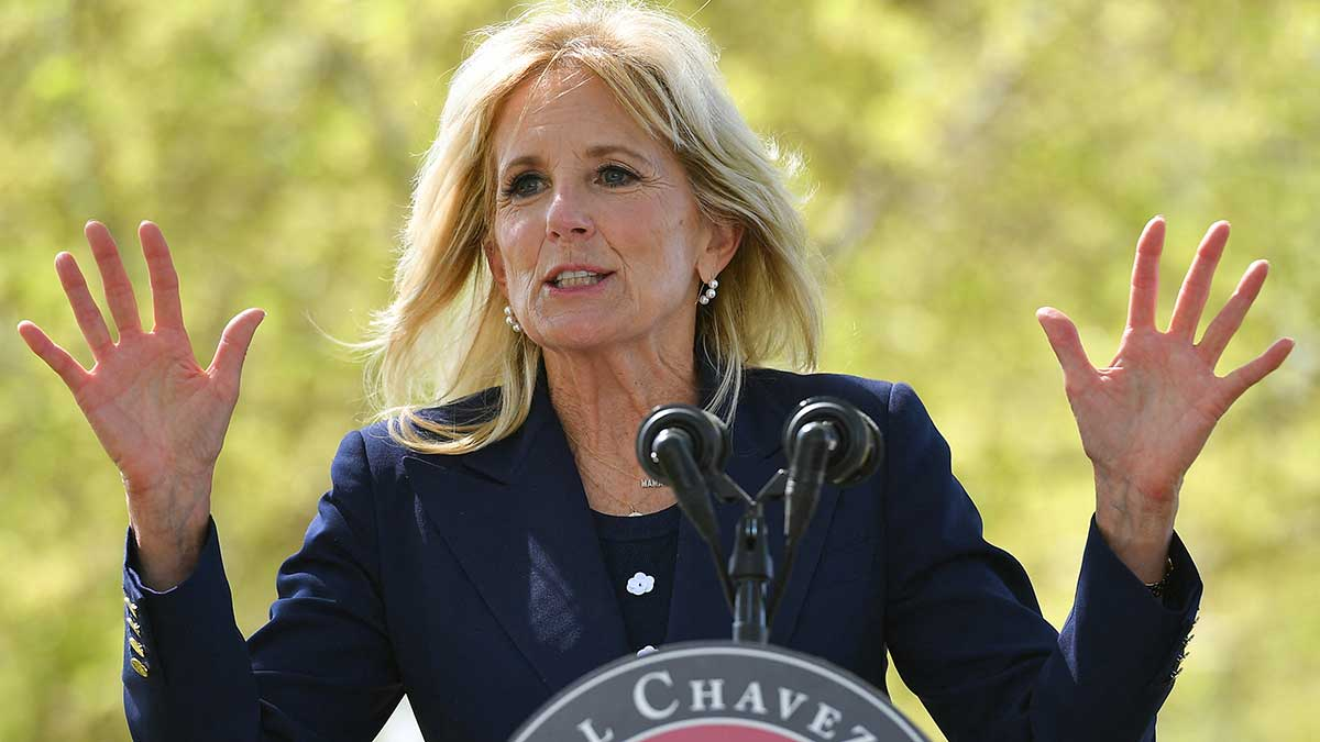 """Ese fue el único momento donde Jill Biden tuvo problemas para pronunciar """"sí se puede"""". Foto: AFP"""