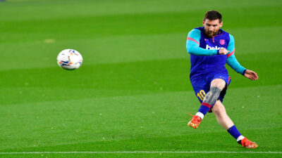 Messi es homenajeado por el Barcelona por su nuevo récord