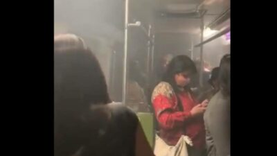 Metro CDMX: Por falla, desalojan a usuarios de tren en Línea 8