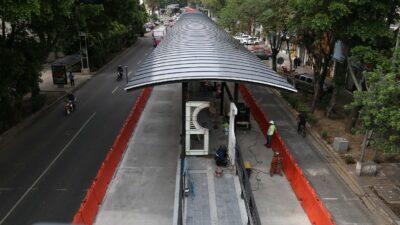 En CDMX, cierran estación del Metrobús Plaza de la República