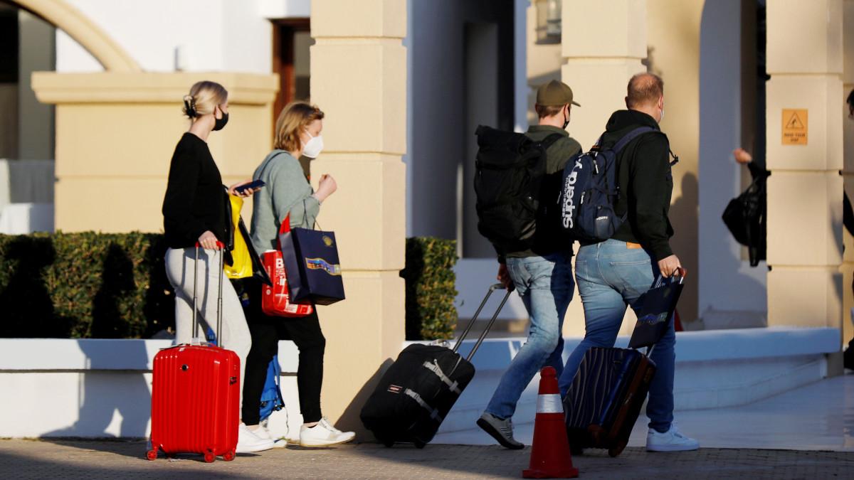 En Chile, 43 parejas son detenidas en un motel por incumplir cuarentena