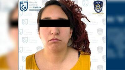 Arrestan a mujer por robo de autos de agencia; así lo hizo