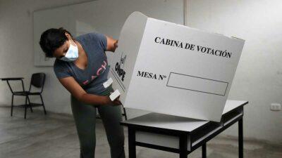 Elecciones Perú 2021; ciudadanos salen a votar para próximo presidente