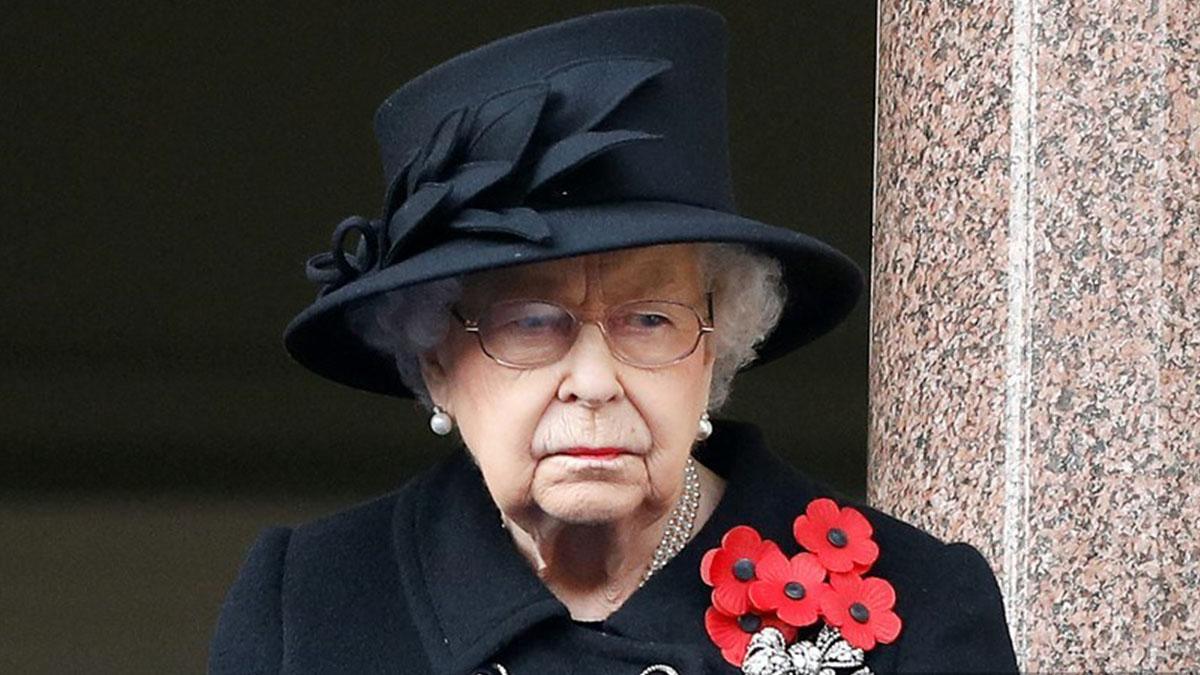 reina Isabel visita