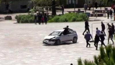 En Albania, hombre salva a multitud de ser atropellada
