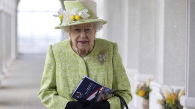 reina isabel II aparece sin cubrebocas