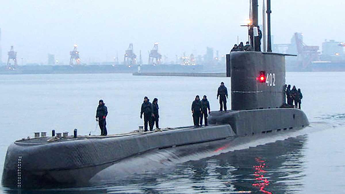 Es posible que una avería de electricidad le impidió al submarino lanzar las medidas de emergencia. Foto: AFP