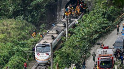 Taiwán de luto tras fuerte accidente de tren, el peor en décadas