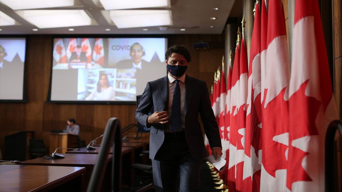 Canadá: Justin Trudeau recibe dosis de vacuna AstraZeneca