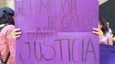 Marcha feminista: 10 de mayo, Día de las Madres