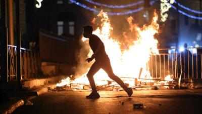 """Jerusalén: tras disturbios presidente turco califica a Israel de Estado """"terrorista"""""""
