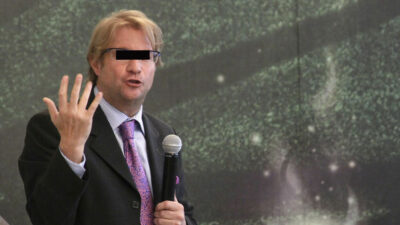 Andrés Roemer: Interpol emite ficha roja en su contra