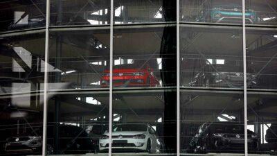 Profeco llama a revisar autos Volkswagen por posible falla dentro del sistema de frenos delantero