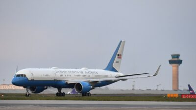 Estados Unidos: mujer dio a luz en pleno vuelo a Hawái