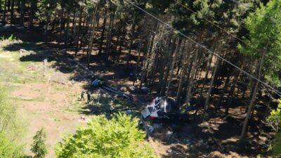 Caída de teleférico en Italia deja 13 muertos