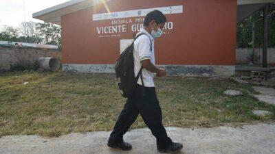 Maestra en Campeche da positivo a COVID y cierran escuela