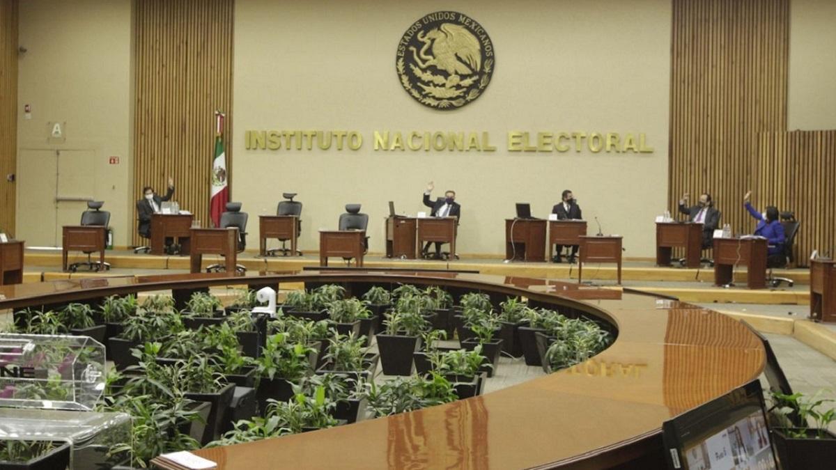 INE sanción candidata de Morena en SLP