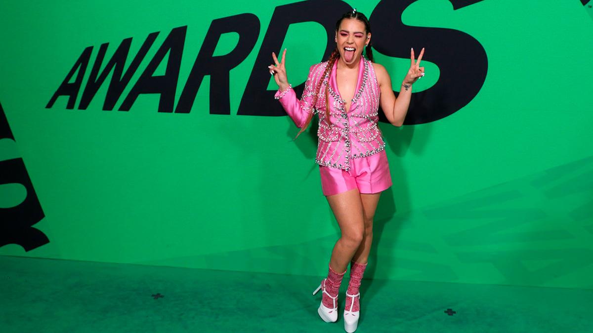 Danna Paola cambió de look y conquista a sus fans