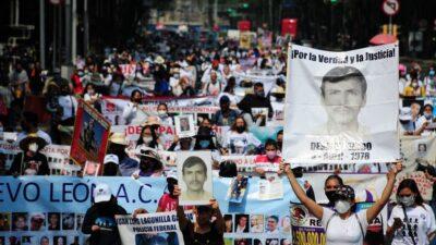 Segob y madres de desaparecidos se reúnen tras protesta en Palacio Nacional