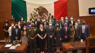 Zacatecas: Diputados evaden nombramientos votando por personajes de TV