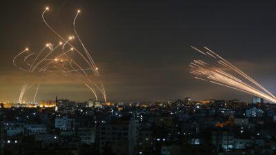Domo de Hierro: Captan momento de su lucha contra misiles palestinos