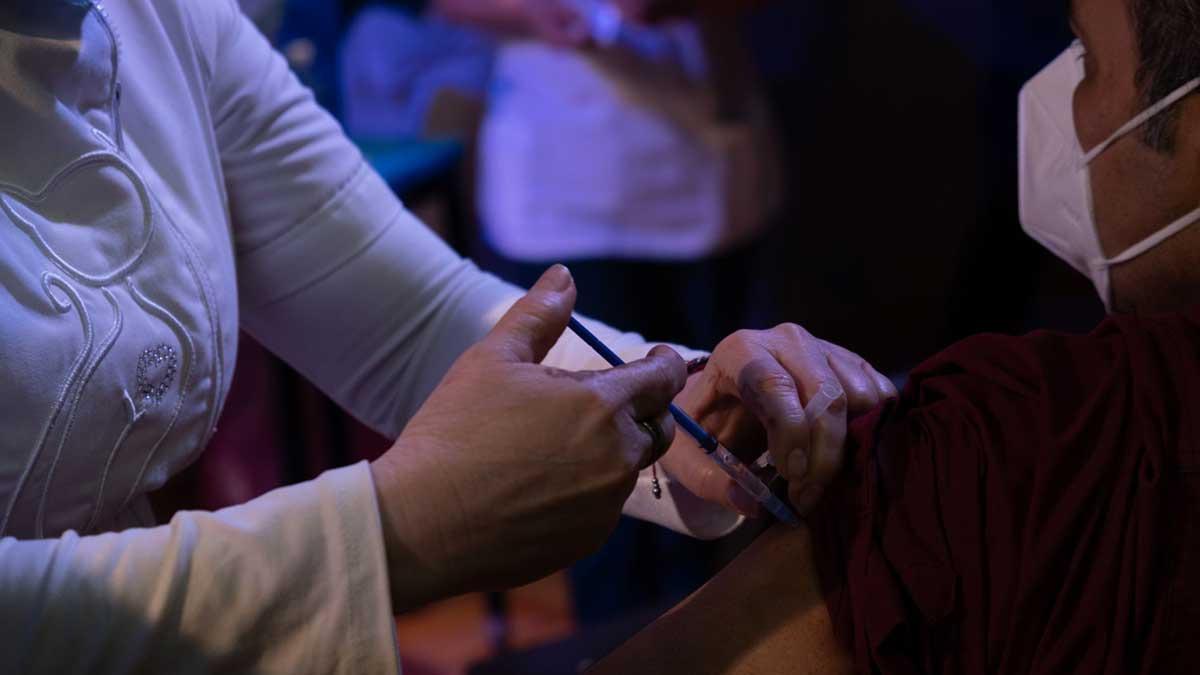 Puebla inicia vacunación a adultos de 50 años y más en Tehuacán