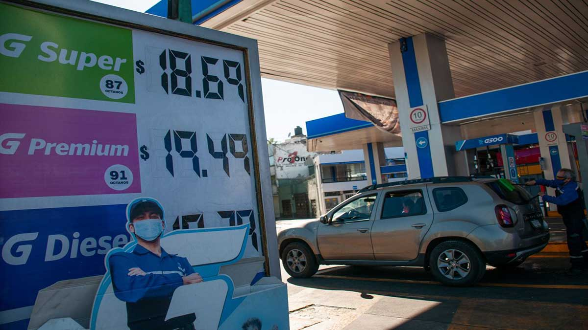 AMLO manda mensaje a distribuidores de gasolina y diesel por adquirir de manera ilegal
