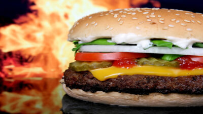Cómo preparar la hamburguesa perfecta, según la ciencia