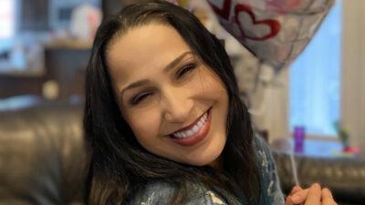 ¿Quién es Jennifer Peña, la cantante que entonará el himno en la pelea del Canelo?