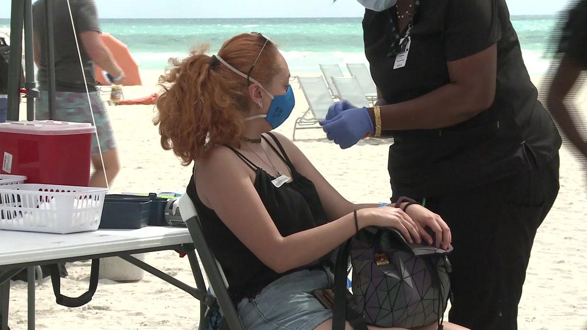 Miami Beach vacuna contra COVID-19 a turistas latinos - Uno TV