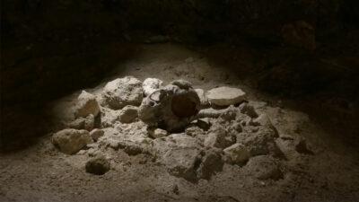 Encuentran evidencia de nueve neandertales en una cueva de Italia