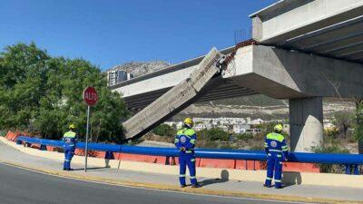 En Nuevo León cae viga de puente en Santa Catarina