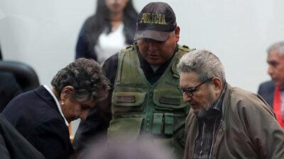 Perú: catorce muertos en ataque armado en dos bares