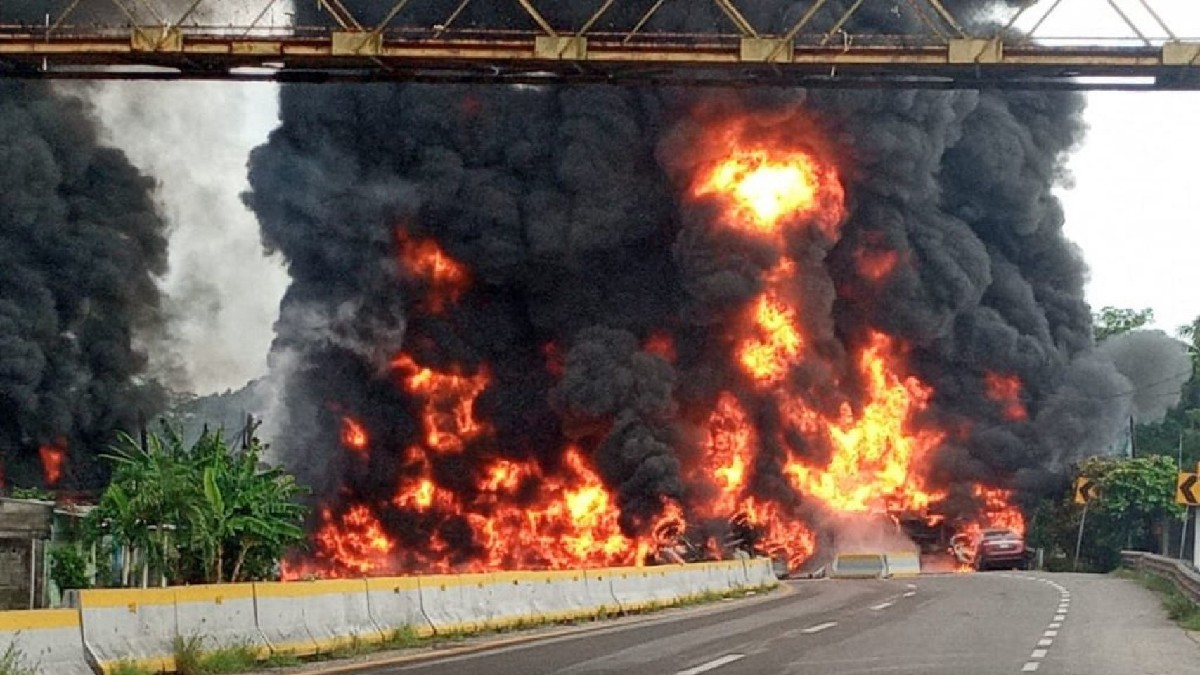 Autopista Veracruz-Cardel: imágenes de la explosión de pipa