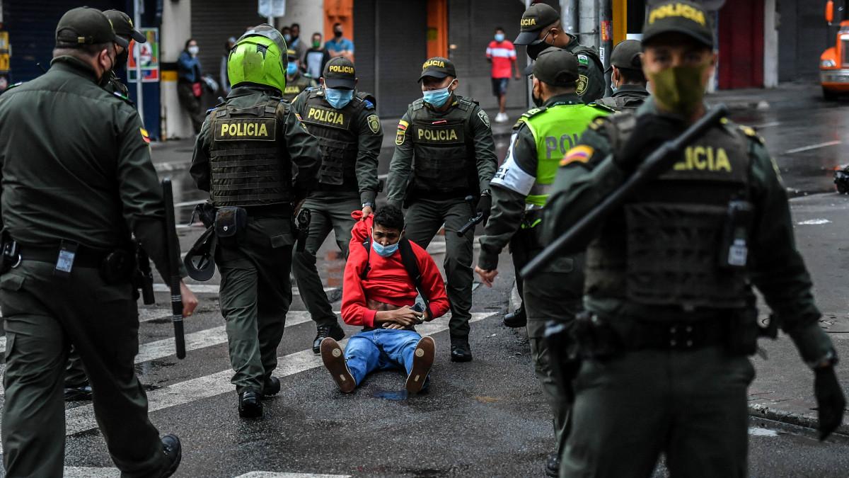 Protestas Colombia: comunidad internacional rechaza abusos policiales