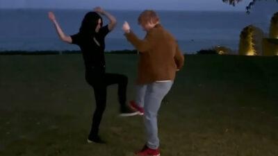 """Courteney Cox y Ed Sheeran recrean baile de """"Friends"""""""