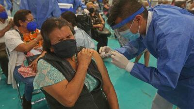 5 errores que debes evitar si ya te vacunaste contra el COVID-19