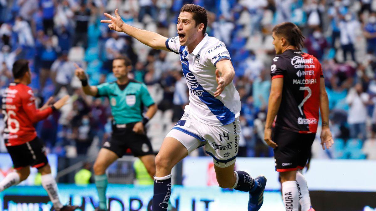 Puebla, con un autogol, logró superar al Atlas.