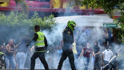 Colombia: nuevo enfrentamiento deja dos civiles muertos y un policía herido