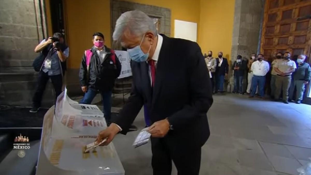 Elecciones México 2021: AMLO acude a emitir su voto