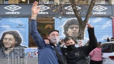 "Argentina grita el ""Gol del Siglo"" de Maradona a Inglaterra 35 años después"