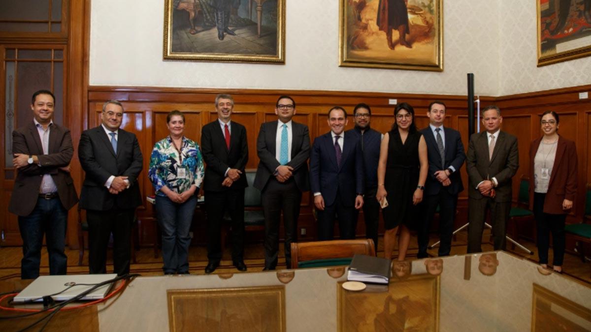Santiago Nieto felicita a Arturo Herrera por propuesta al frente del Banxico