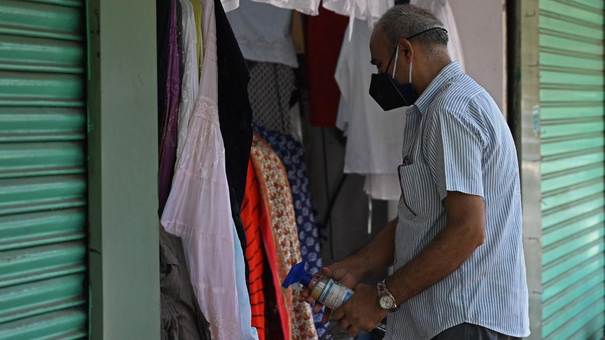 Nueva Delhi y Bombay levantan restricciones tras descenso de contagios en India