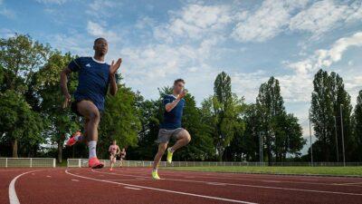 Video: camarógrafo graba a corredores de atletismo y les gana