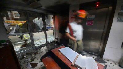 En Chiapas, normalistas vandalizan instalaciones electorales