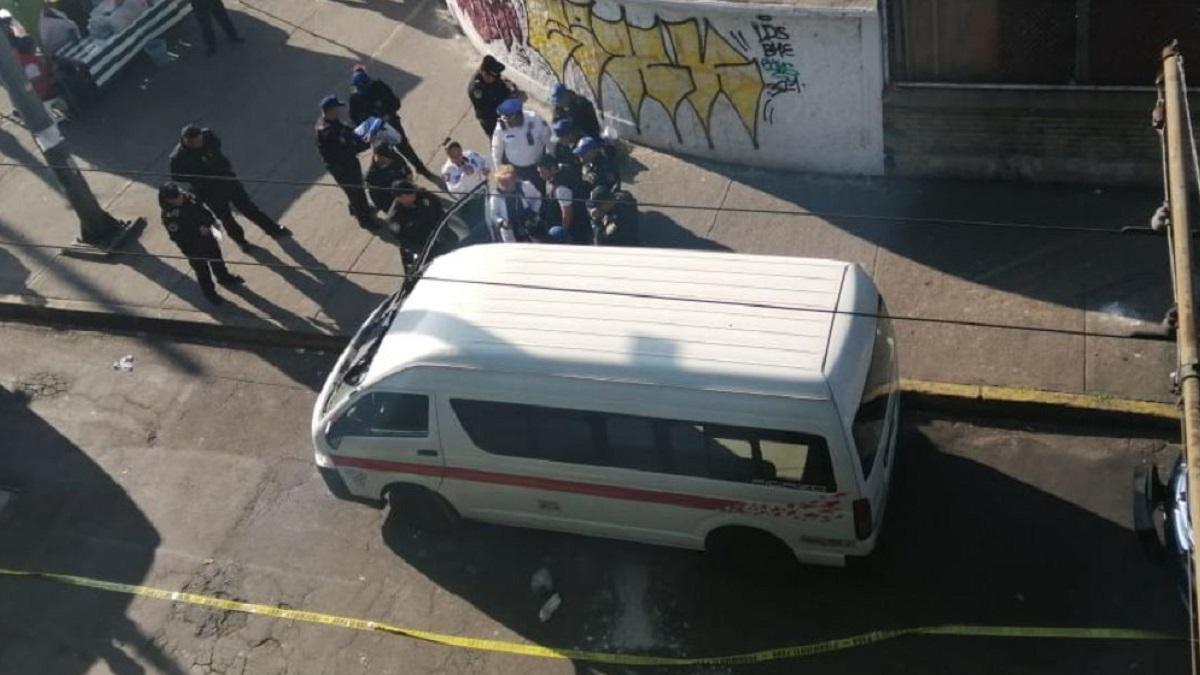 Edomex: ratero asalta combi y obliga a niño a quitarle celular a pasajera